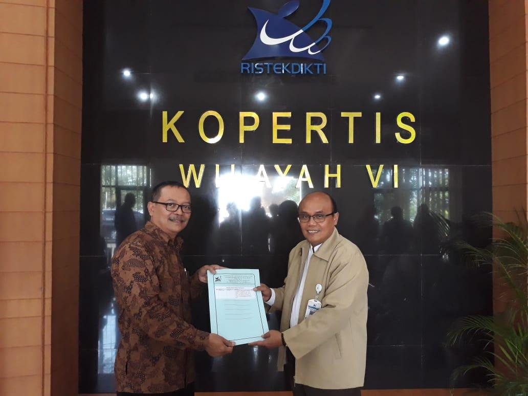 Penyerahan SK Program Studi Informatika STMIK Cipta Darma Surakarta oleh Koordinator Kopertis Wilayah VI Jawa Tengah Prof. Dr. DYP Sugiharto