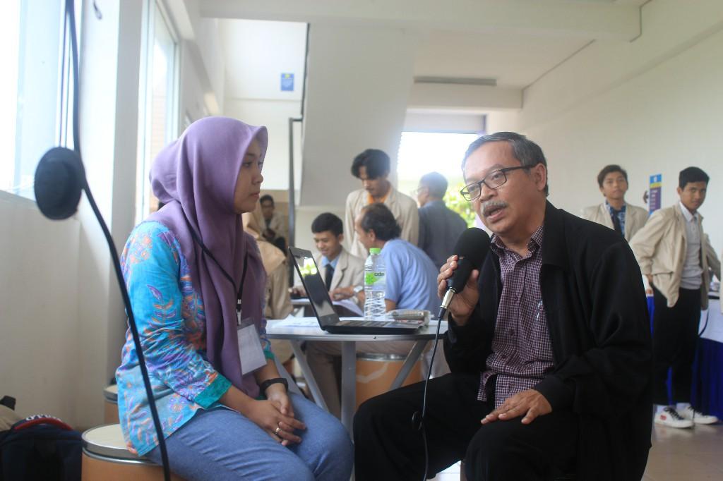 Wawancara dengan Ketua STMIK AMIKOM Surakarta